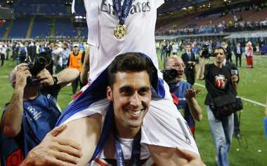 """Alvaro Arbeloa """"Singgung"""" Gerard Pique di Pesta Kemenangan Real Madrid"""