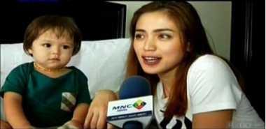 FOTO: Jessica Iskandar Dapat Predikat Supermom dari Netizen
