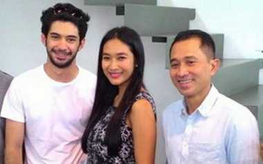 TOP GOSSIP #2: Bintang FilmTop Ikut Main Teater Bunga Penutup Abad