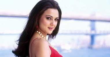 FOTO: Comeback, Preity Zinta Balas Kerindukan Fans