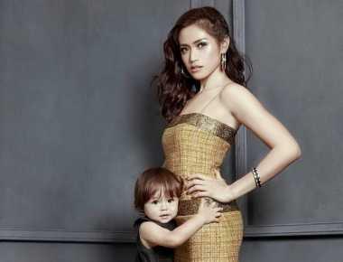 TOP GOSSIP #9: Jessica Iskandar Dapat Predikat 'Supermom'