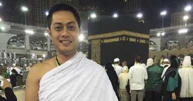 FOTO: Ferry Ardiansyah Jalani Umrah Jelang Ramadan