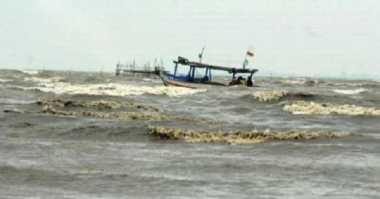 Dua Nelayan yang Hilang Usai Dihantam Badai Ditemukan Selamat