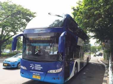 Wah, Bus Wisata Malam Jakarta di Nahkodai Wanita