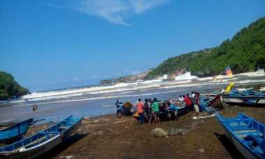 Waspadai Gelombang Tinggi di Pantai Selatan Yogya