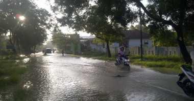 Sungai Kemuning Meluap, Banjir Kepung Sampang
