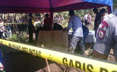 Resahkan Warga, Makam Wali Palsu di Lamongan Dibongkar Paksa