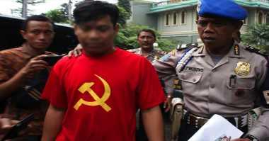 Polres Sukabumi Amankan Dua Pengusaha Konveksi Pembuat Kaos Palu Arit