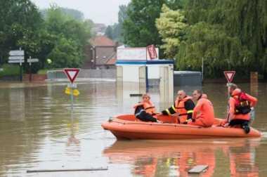 Banjir Bandang Landa Prancis