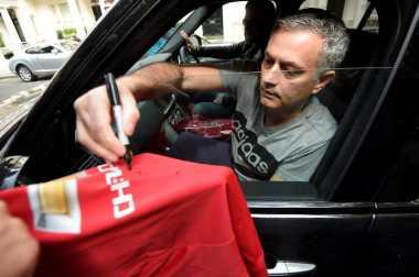 Hot Soccer: Jose Mourinho Siapkan Daftar Pemain Manchester United untuk Musim 2017