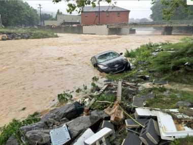 Banjir Bandang Terjang AS, 23 Orang Tewas