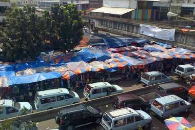 Tampak Semrawut, PKL Balimester Inisiatif Tata Lapak secara Mandiri