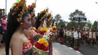 Lihat Bali, Turis India Jatuh Cinta