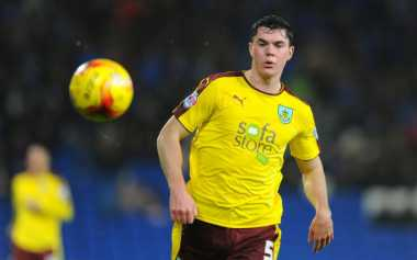 Leicester Tidak Menyerah Kejar Eks Bek Man United