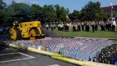 Polres Jombang Musnahkan Ribuan Liter Miras