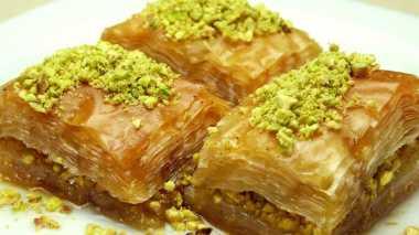 Dessert Khas Arab Pasti Pakai Air Mawar