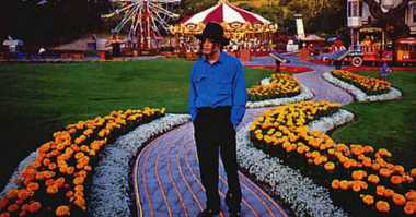 TOP GOSSIP: #5 Michael Jackson Ternyata Koleksi Banyak Benda Porno