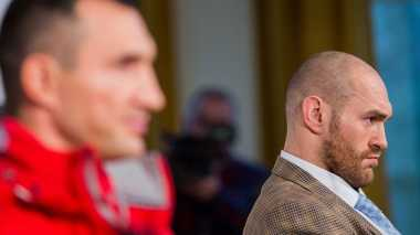 Tyson Batal Tanding Ulang Melawan Klitschko