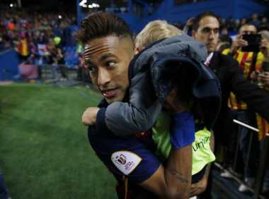 Neymar Tetap Bermain Bersama Barcelona Musim Depan