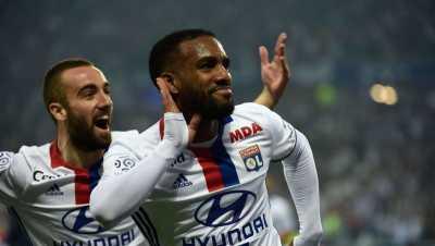 West Ham Lepas Penawaran Terbaru untuk Bintang Lyon