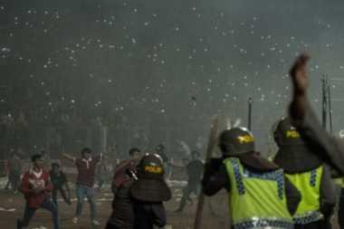 Sosiolog: Suporter Sepak Bola Kerap Bentrok Akibat Kurang Dibina