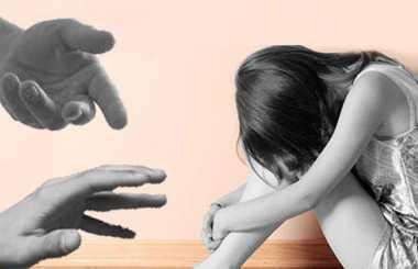 Seorang Suami Tepergok Istri Cabuli Anaknya Sendiri