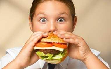 Ternyata Ini yang Bikin Anak-Anak Ketagihan Junk Food