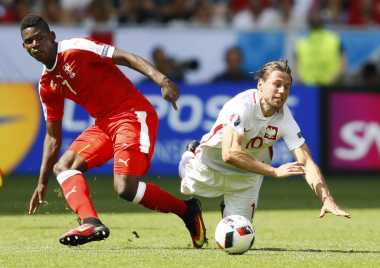 Schalke Rampungkan Transfer Penyerang Muda Basel