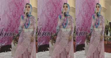 TOP FASHION 2: Cantiknya Penampilan Syahrini dengan Busana Muslim
