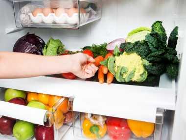Sayur dan Buah Layu dalam Kulkas Kehilangan Gizi