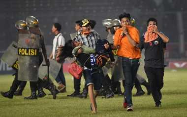 Hot Soccer: Disanksi Menpora, Persija Legowo