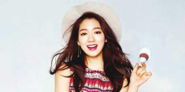 TERHEBOH: Rating Dramanya Naik, Park Shin Hye Joged di Lokasi Syuting