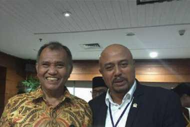 Sebelum Terjaring OTT, Putu Berfoto dan Ketawa Bareng Pimpinan KPK