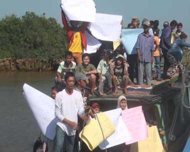 THR Cuma Rp200 Ribu, Ratusan Buruh Blokade Pelabuhan