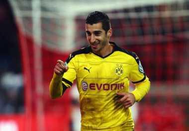 United Perbarui Penawaran untuk Mkhitaryan, Dortmund Semakin Luluh