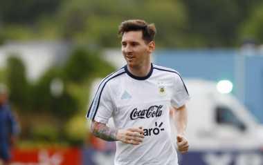 Messi Harus Abaikan Kritik yang Ditujukan Kepadanya
