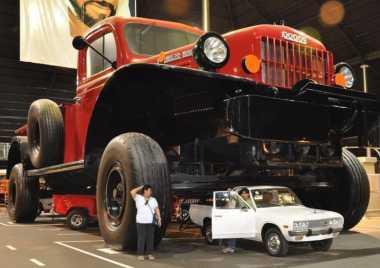 Pria Arab Bangun Mobil Pikap Terbesar di Dunia