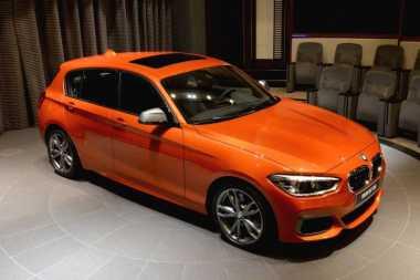 Keren, Warna Oranye pada BMW M135i Bisa Berubah-ubah