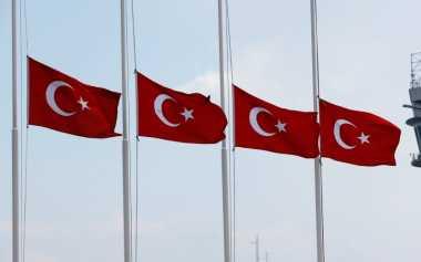 Belanda & Inggris Turut Kibarkan Bendera Setengah Tiang untuk Turki