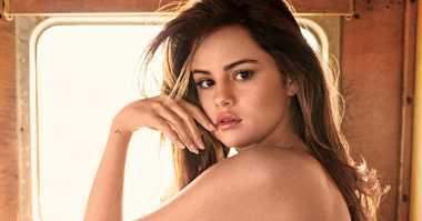 Rahasia Cantik Alami Selena Gomez
