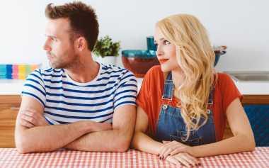 Dilema ketika Suami Tak Suka dengan Teman Anda