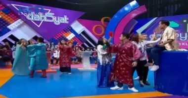 Live Dahsyat: Anwar Perkenalkan Pakaian Tradisional Korea