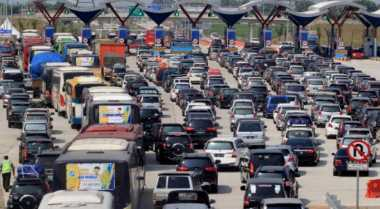 Tol Jakarta-Cikampek Naik 5 %, Lalin Masih Relatif Lancar