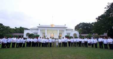 Menteri Kabinet Kerja Bayar Zakat di Istana