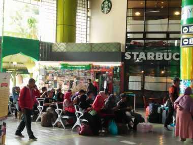 H-6 Lebaran, Begini Suasana Arus Mudik di Stasiun Gambir