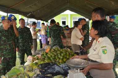 Pasar Murah Kodam 17 Cenderawasih Diserbu Warga