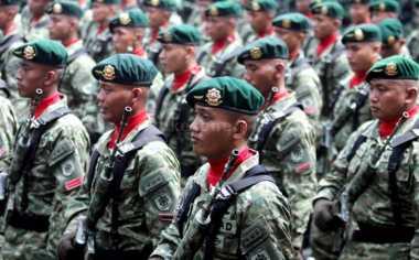 Danny Pimpin Upacara Pemberangkatan Satgas Yonif Raider ke Papua