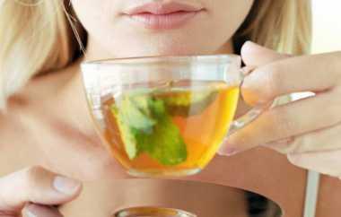 7 Alasan Minum Teh Hijau Lebih Baik daripada Kopi