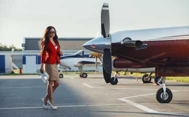 TOP FASHION 3: Tampil Cantik di Pesawat saat Mudik