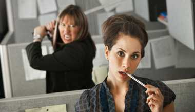 Jangan Biarkan Puasa Batal Menghadapi Rekan Kerja Pemalas
